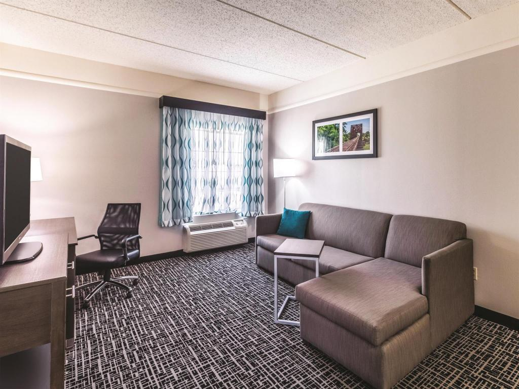 Interior view La Quinta Inn & Suites Mission at West McAllen