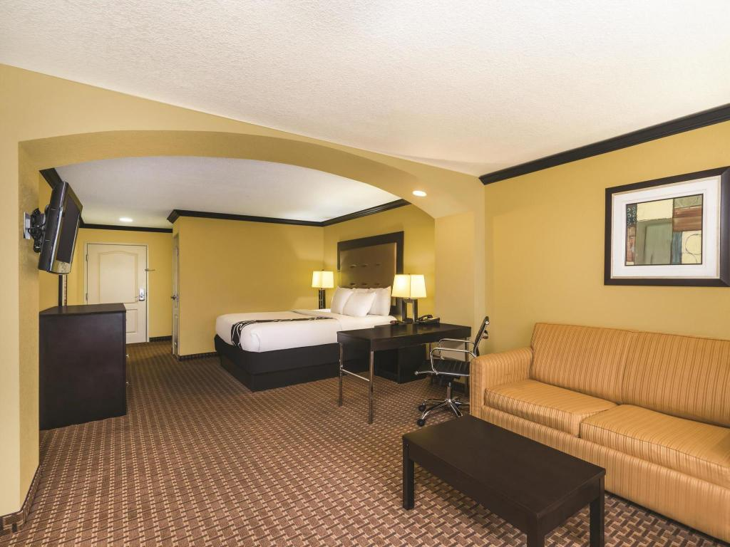 Tampilan interior La Quinta Inn & Suites Brandon Jackson Airport East