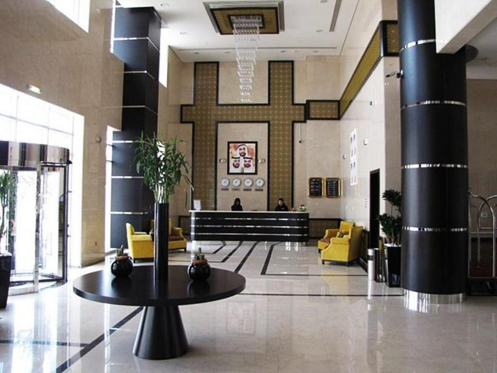 Foyer Paragon Hotel