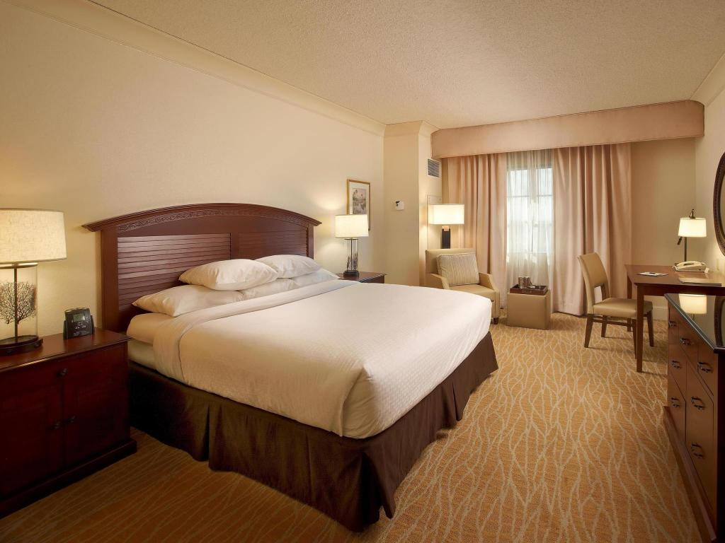 Best Price on DoubleTree by Hilton Sunrise-Sawgrass Mills in Fort ...