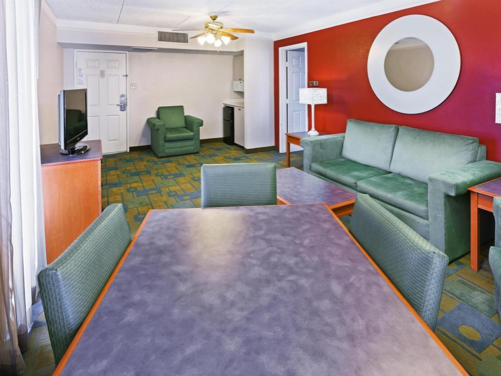 La Quinta Inn Corpus Christi South In Corpus Christi Tx Room