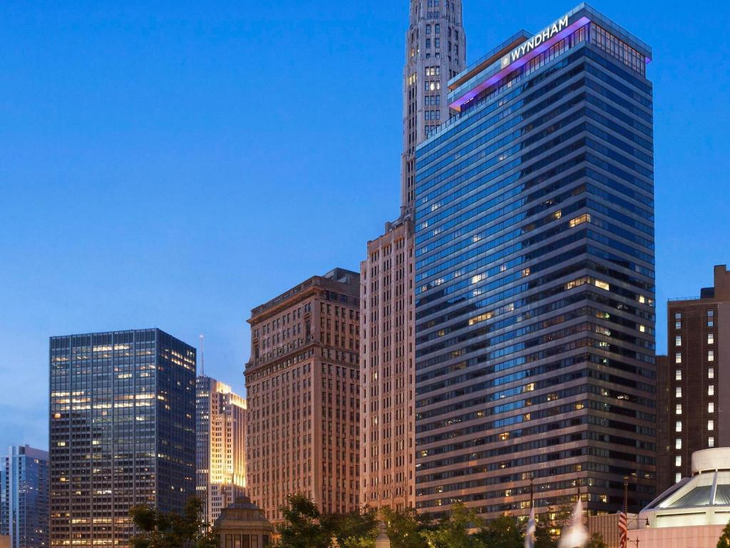 More about Wyndham Grand Chicago Riverfront