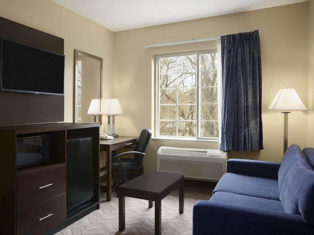 Interior view Days Inn & Suites by Wyndham Cherry Hill - Philadelphia