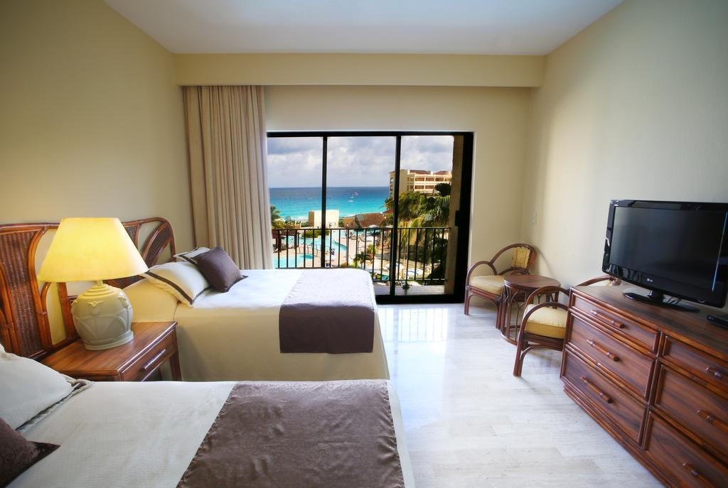 The Royal Caribbean An All Suites Resort In Cancun Room Deals Photos Reviews