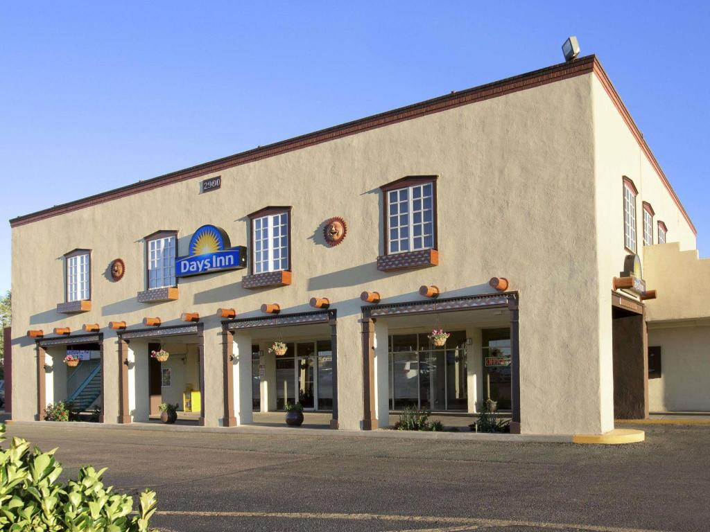 Best Price On Days Inn By Wyndham Santa Fe New Mexico In