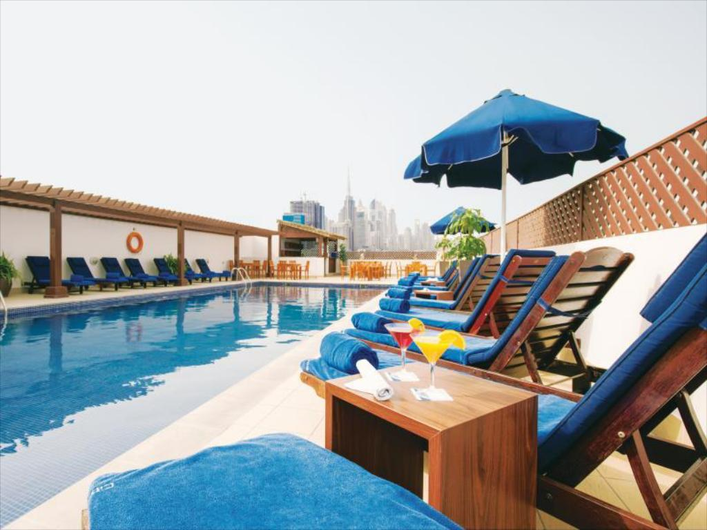 Swimming pool [outdoor] Citymax Hotel Bur Dubai