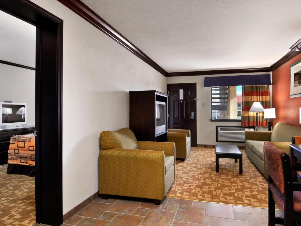 Tampilan interior Days Inn by Wyndham Oklahoma City/Moore