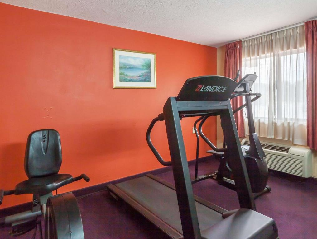 fitness centrum Days Inn by Wyndham Elkton Newark Area