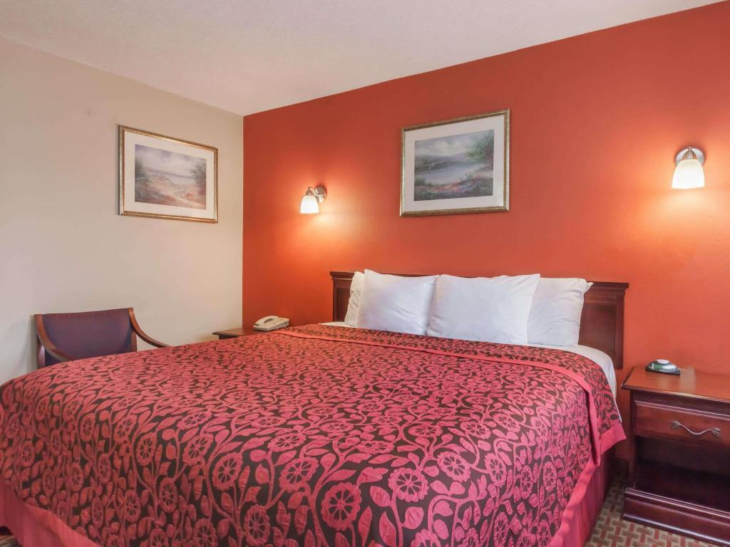 Days Inn by Wyndham Elkton Newark Area