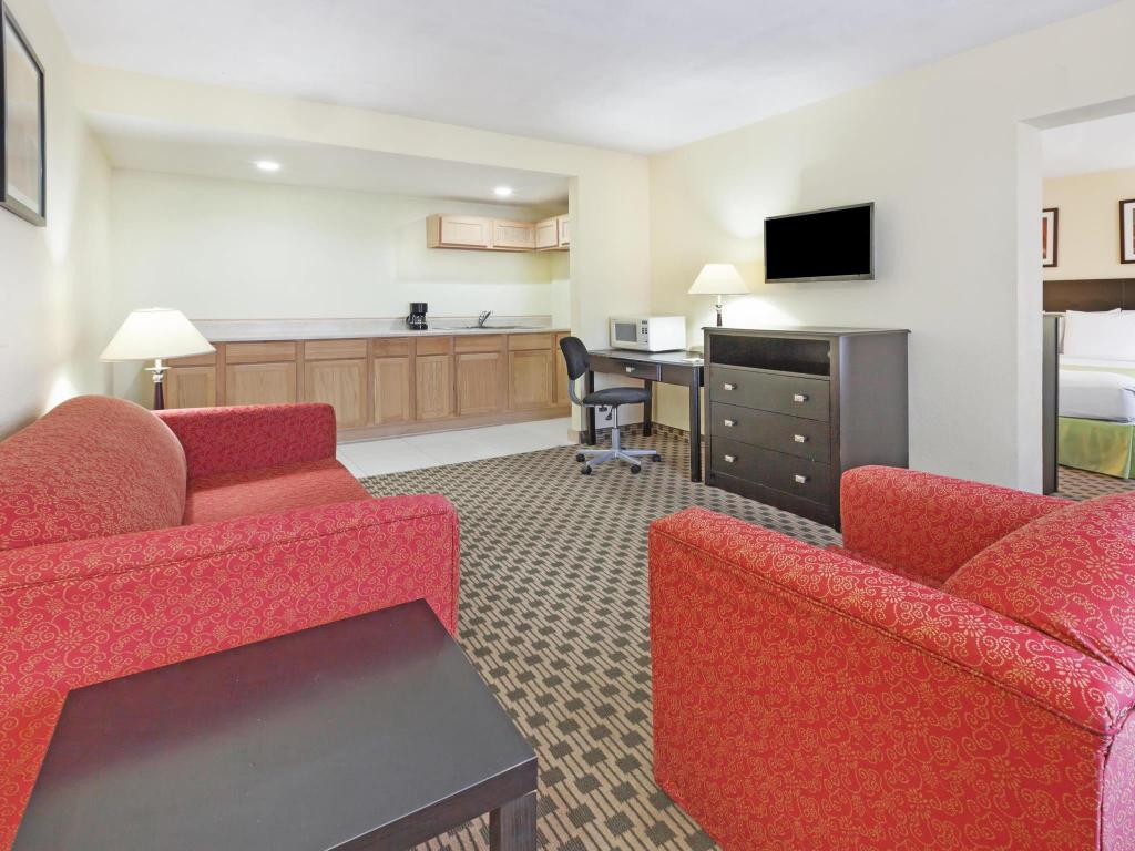 Interior view Days Inn by Wyndham Irving Grapevine DFW Airport North