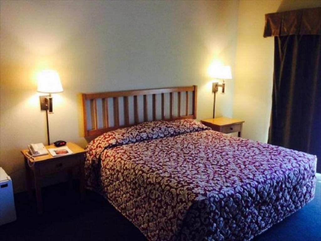 oceana inn santa cruz in santa cruz ca room deals. Black Bedroom Furniture Sets. Home Design Ideas