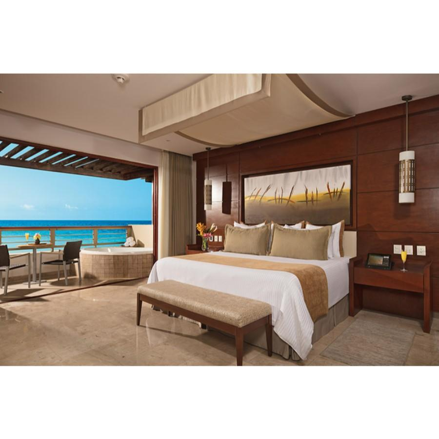 Preferred Club Junior Suite Ocean View Swim Out - King