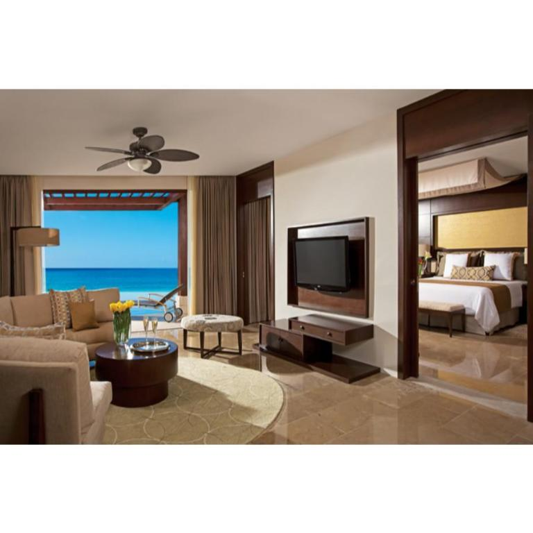 Preferred Club Master Suite Ocean Front Private Pool