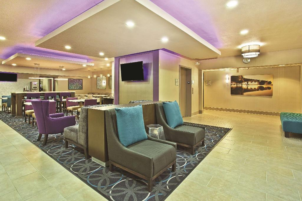 Lobi La Quinta Inn & Suites Fairborn Wright-Patterson