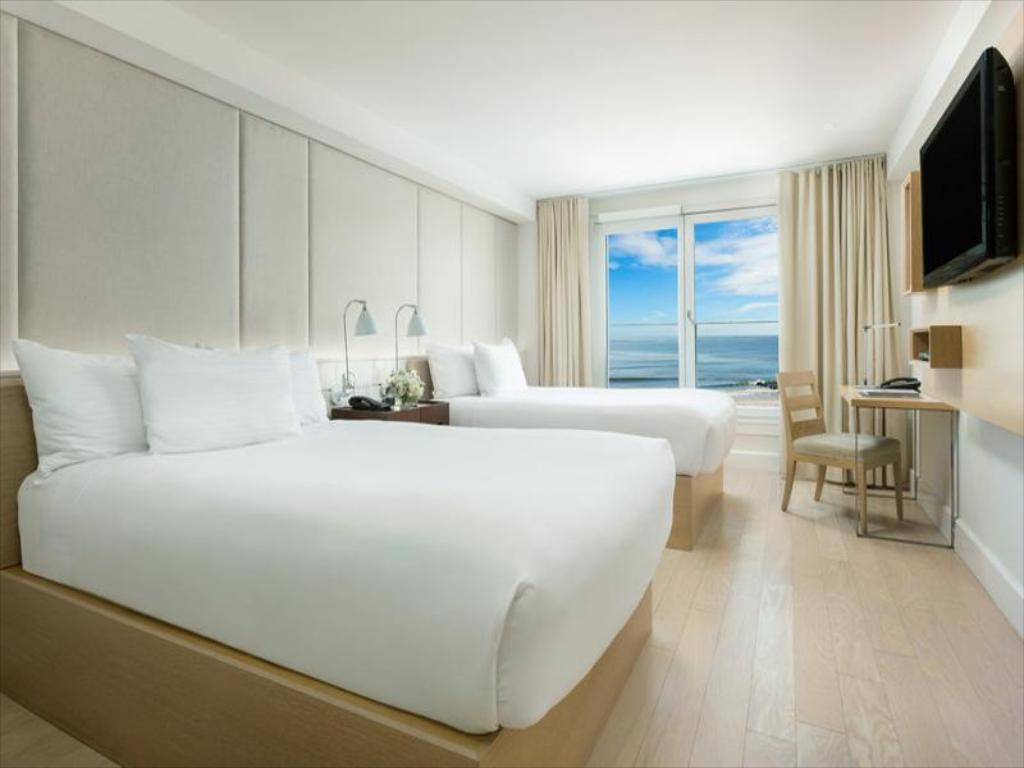 2 Double Oceanfront Room Non-Smoking - Bed Allegria Hotel
