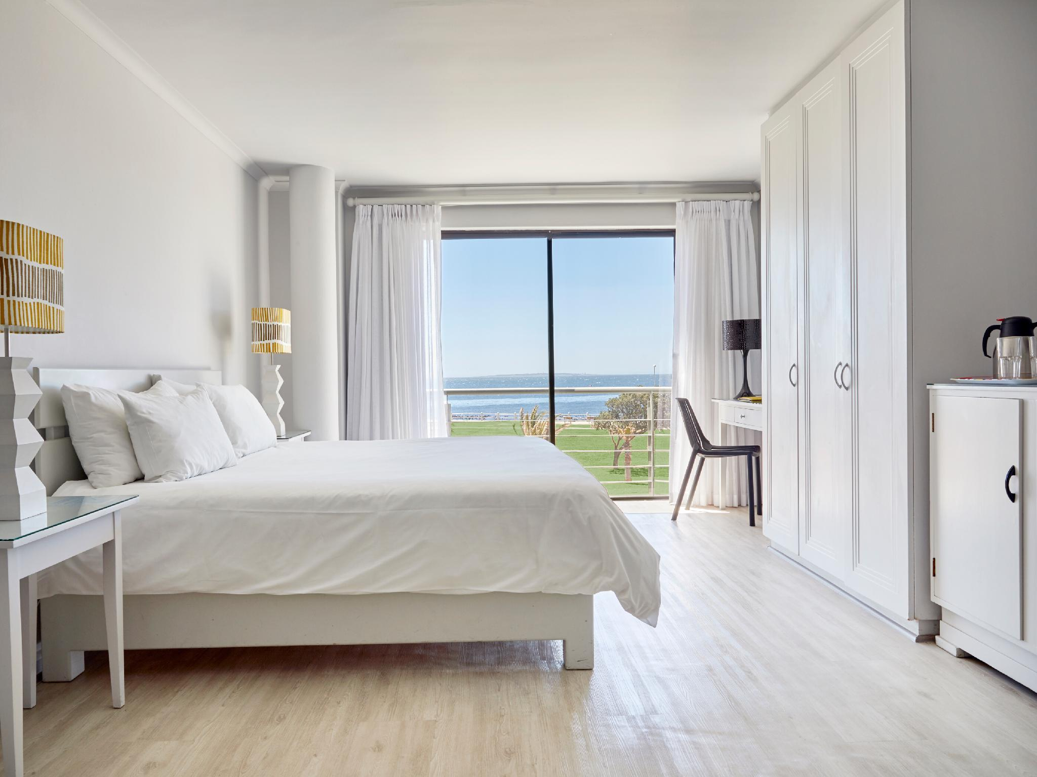 Quarto com vista para o mar (Sea View Room)