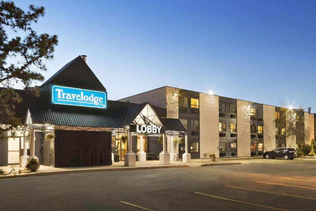 Travelodge by Wyndham Edmonton South