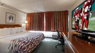 Red Roof Inn & Suites Newark - University