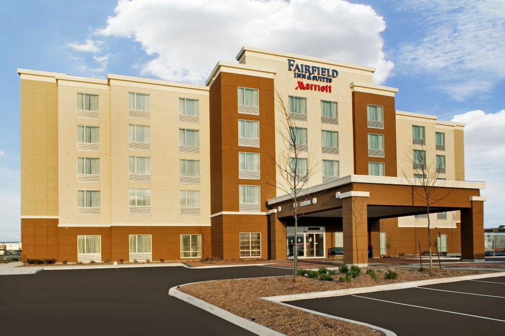 Exterior view Fairfield Inn & Suites by Marriott Toronto Mississauga