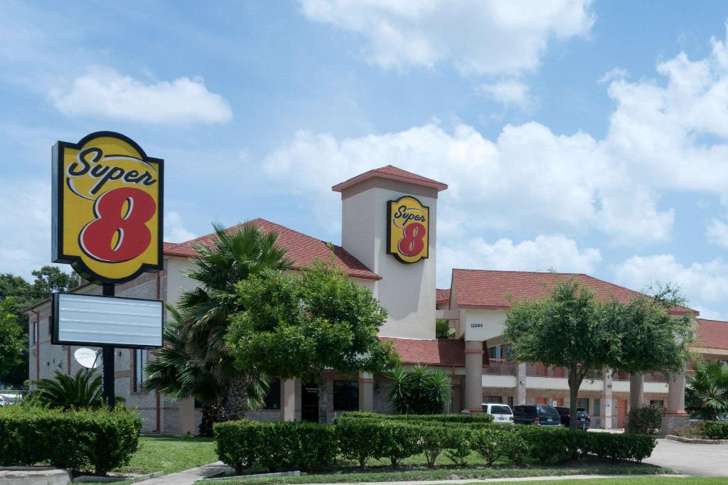 Informasi lengkap Super 8 By Wyndham Stafford Sugarland Area
