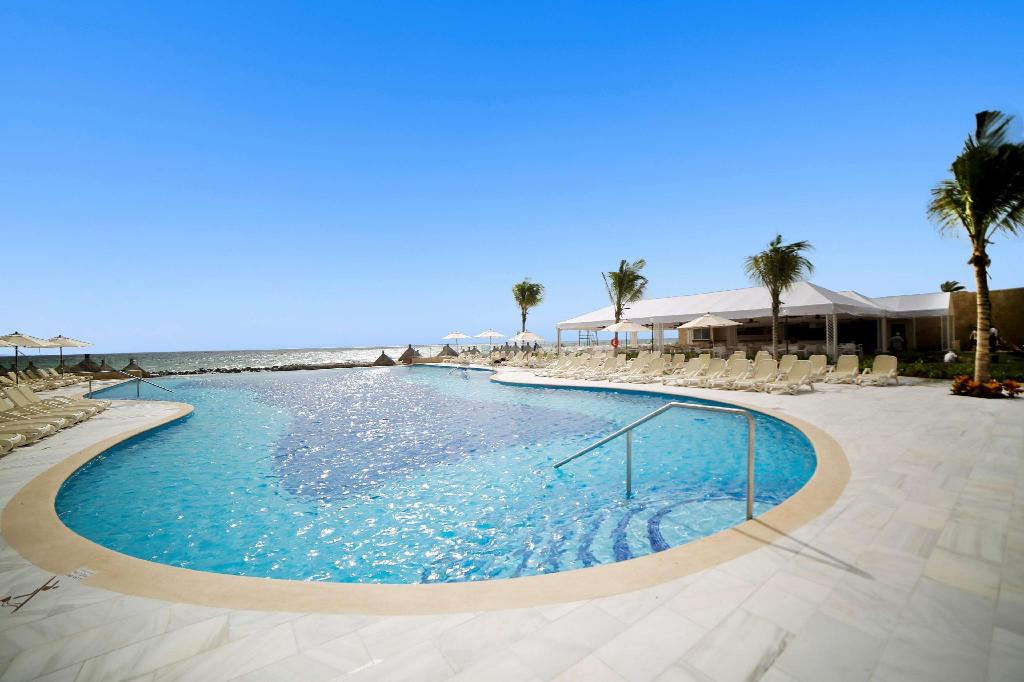 Swimming pool [outdoor] Luxury Bahia Principe Akumal - All Inclusive