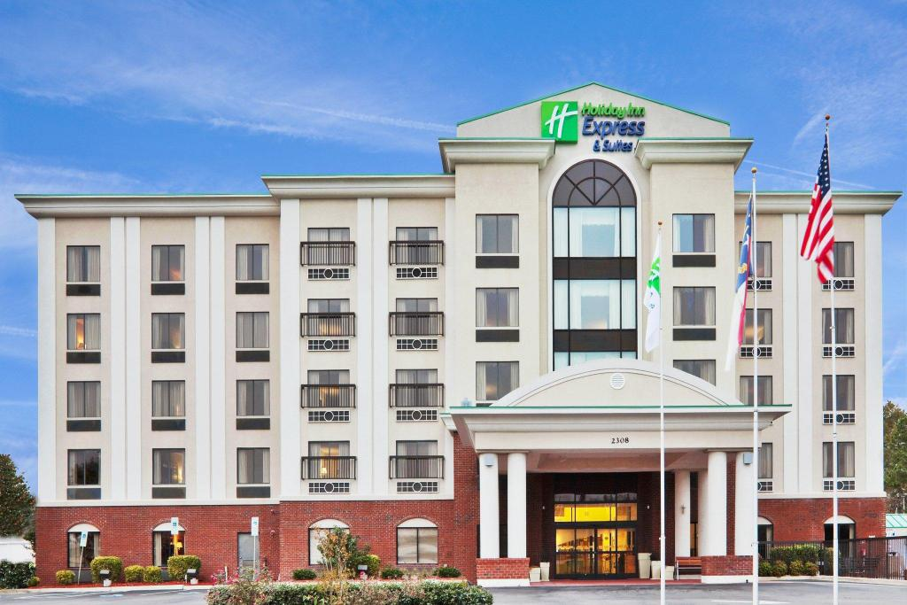 Holiday Inn Express Hotel & Suites - Wilson - Downtown