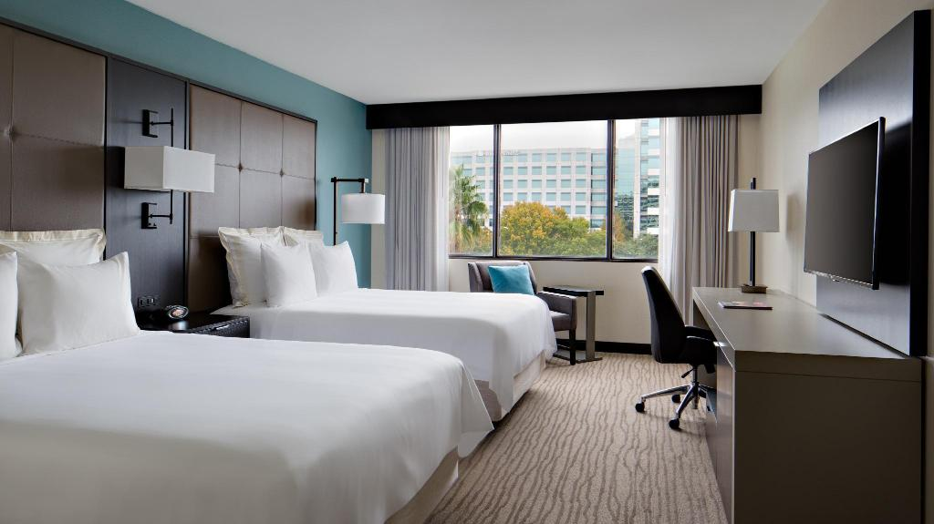 Redesigned, Guest room, 2 Queen - Guestroom Houston Marriott Westchase
