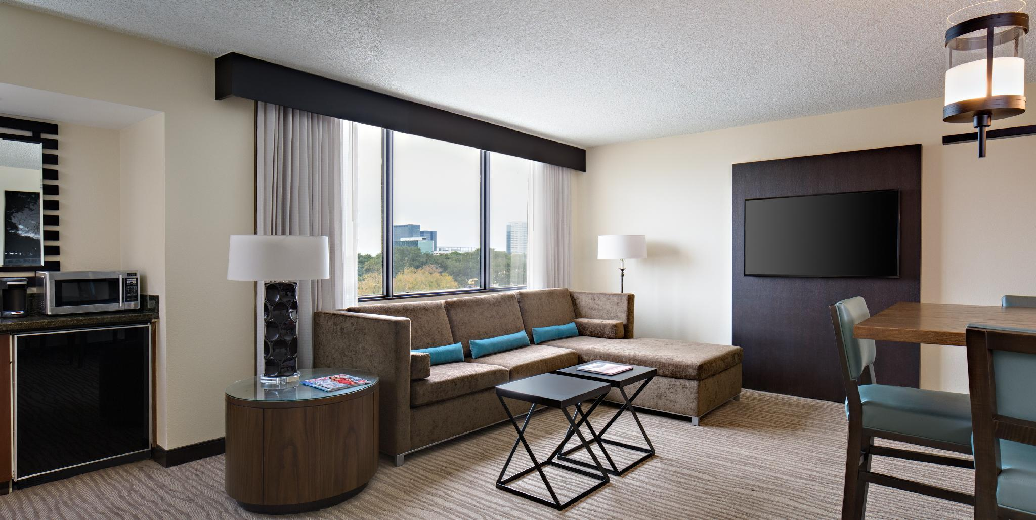 Redesigned, 1 Bedroom Larger Suite, 2 Queen, Sofa bed