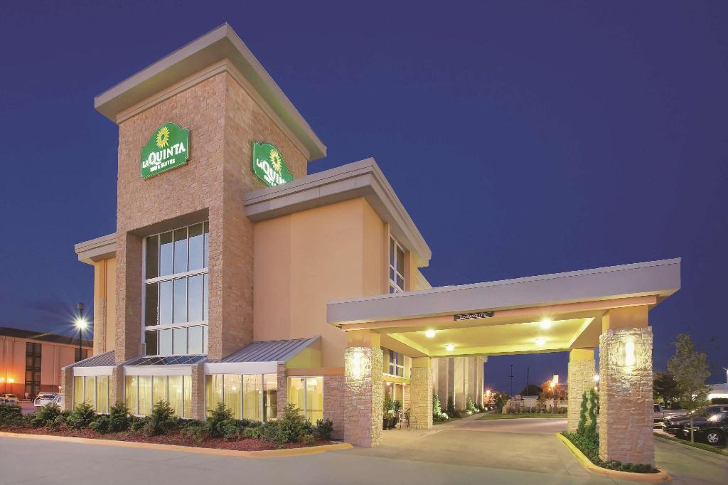 拉昆塔旅馆&套房 - 达拉斯I-35胡桃山道 (La Quinta Inn & Suites Dallas I-35 Walnut Hill Lane)