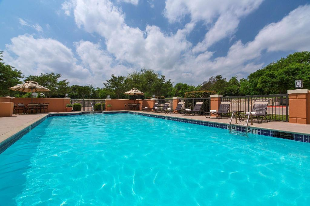 Swimming pool [outdoor] Hyatt Place Atlanta Airport-South