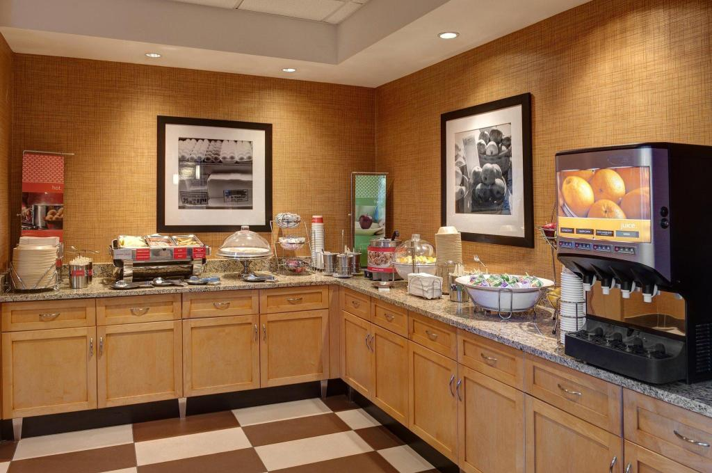 Kafe Hampton Inn & Suites Langley-Surrey