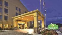 La Quinta Inn & Suites by Wyndham Summersville
