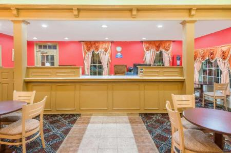Фойє Days Inn by Wyndham Ottawa
