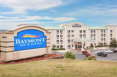 Exterior view Baymont by Wyndham Hot Springs