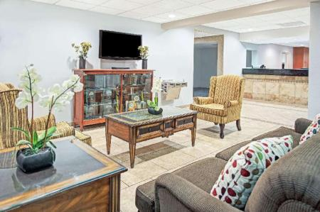 Lobby Days Inn by Wyndham Fort Lauderdale Hollywood/Airport South