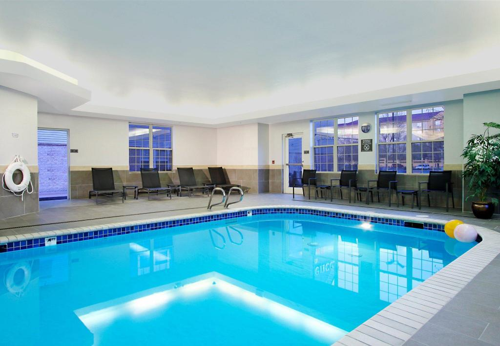 Kolam renang Residence Inn Colorado Springs South