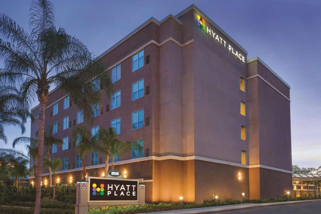 Hyatt Place at Anaheim Resort / Convention Center