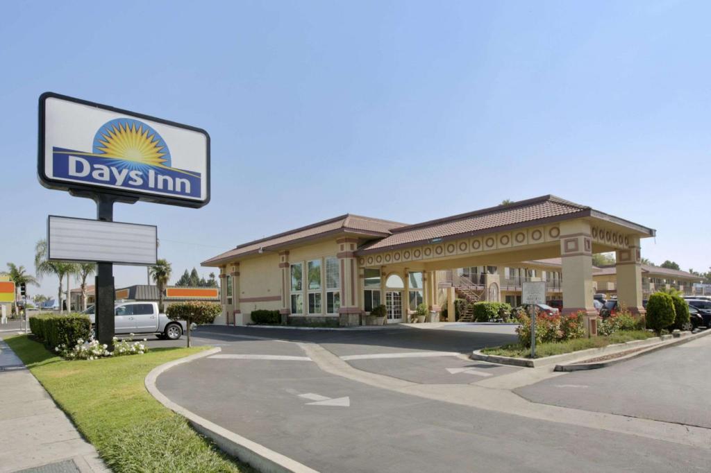 days inn by wyndham anaheim near convention center los. Black Bedroom Furniture Sets. Home Design Ideas
