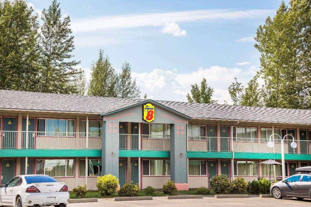 克内尔速8酒店 (Super 8 By Wyndham Quesnel Bc)