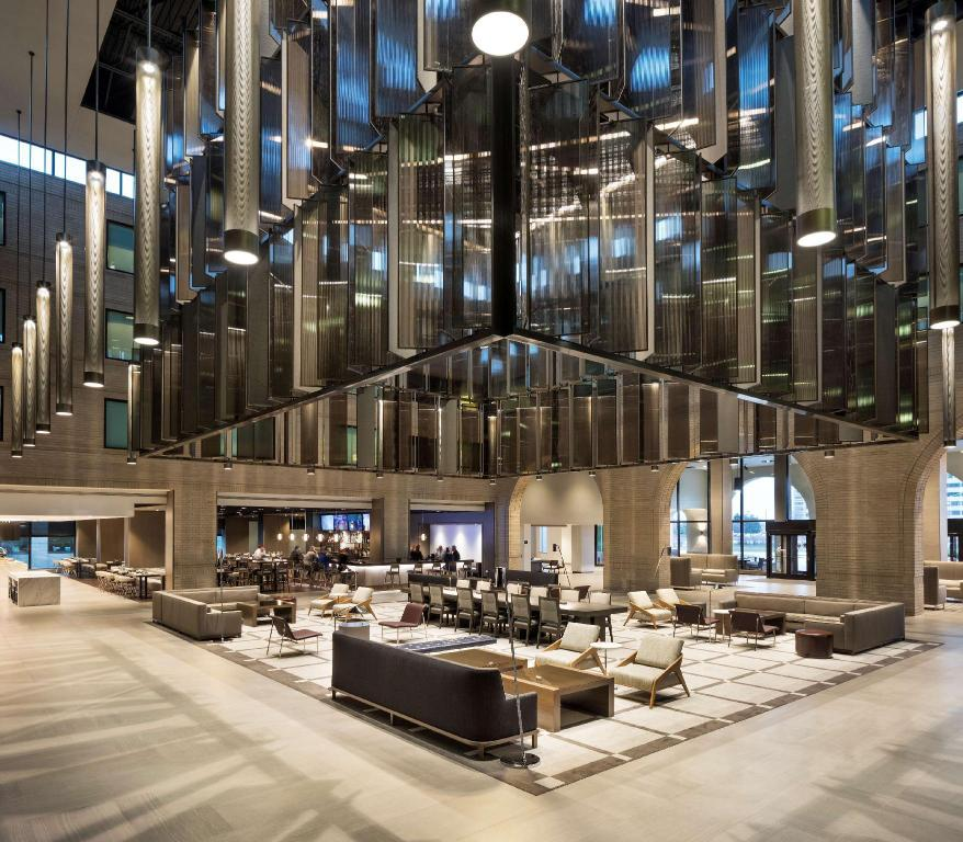 More about Hyatt Regency Schaumburg