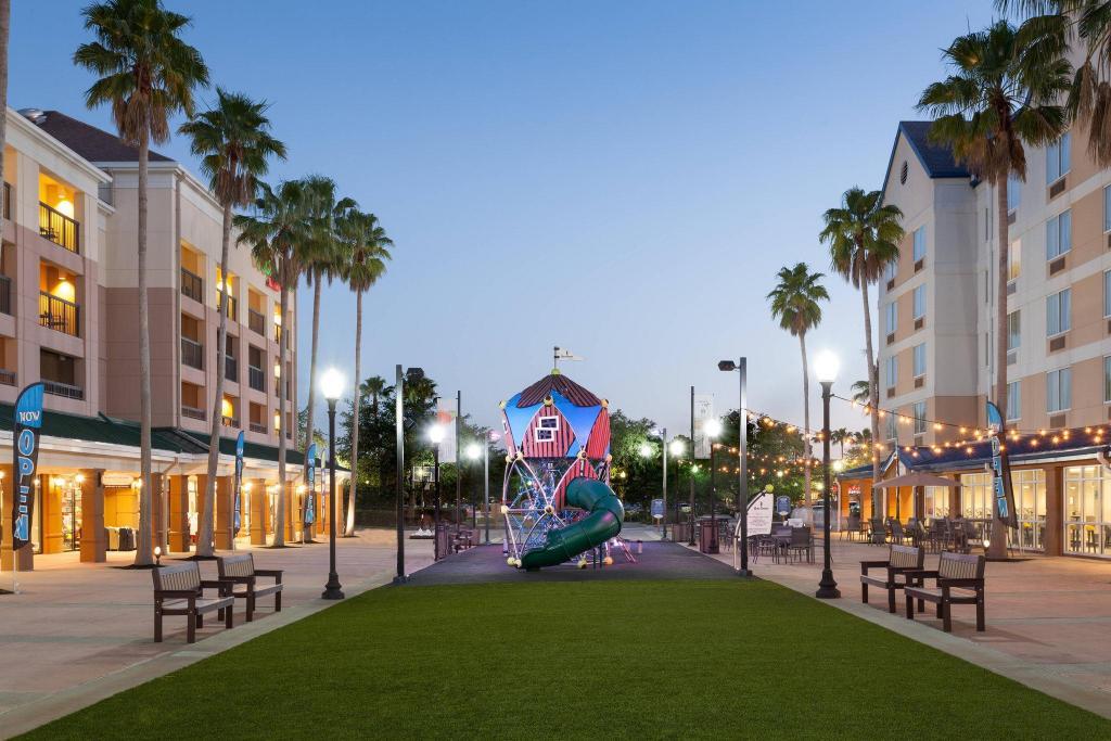 The Fairfield Inn and Suites Orlando Lake Buena Vista