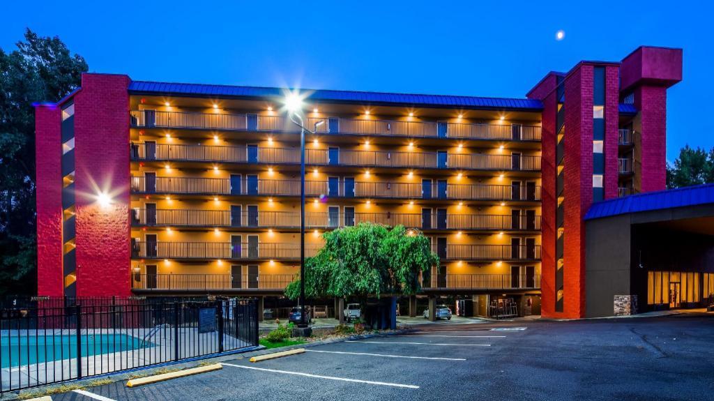 Gatlinburg Tn Hotels >> Surestay Plus Hotel By Best Western Gatlinburg Gatlinburg