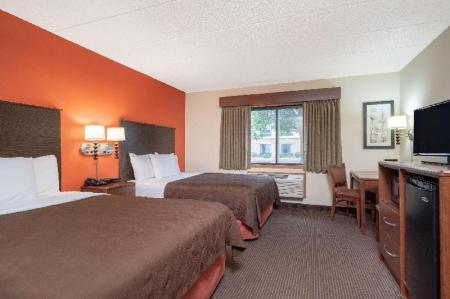 2 Queen Beds Non-Smoking AmericInn by Wyndham Coon Rapids