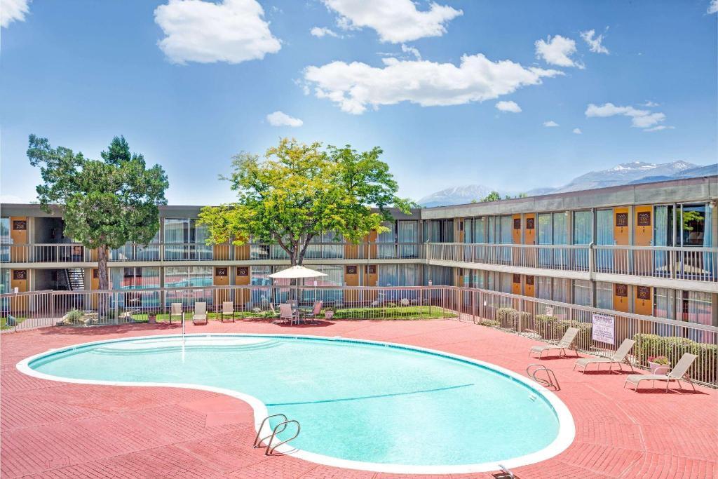 Days Inn By Wyndham Reno South In Reno Nv Room Deals