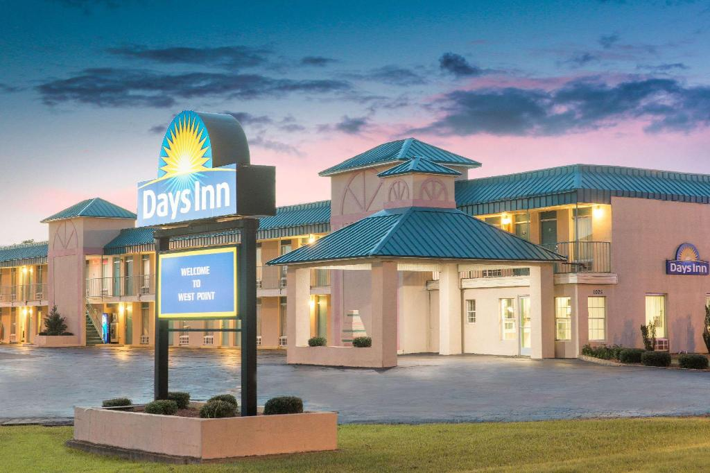 Days Inn by Wyndham West Point