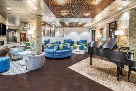 Lobby Wyndham Garden Buffalo Williamsville