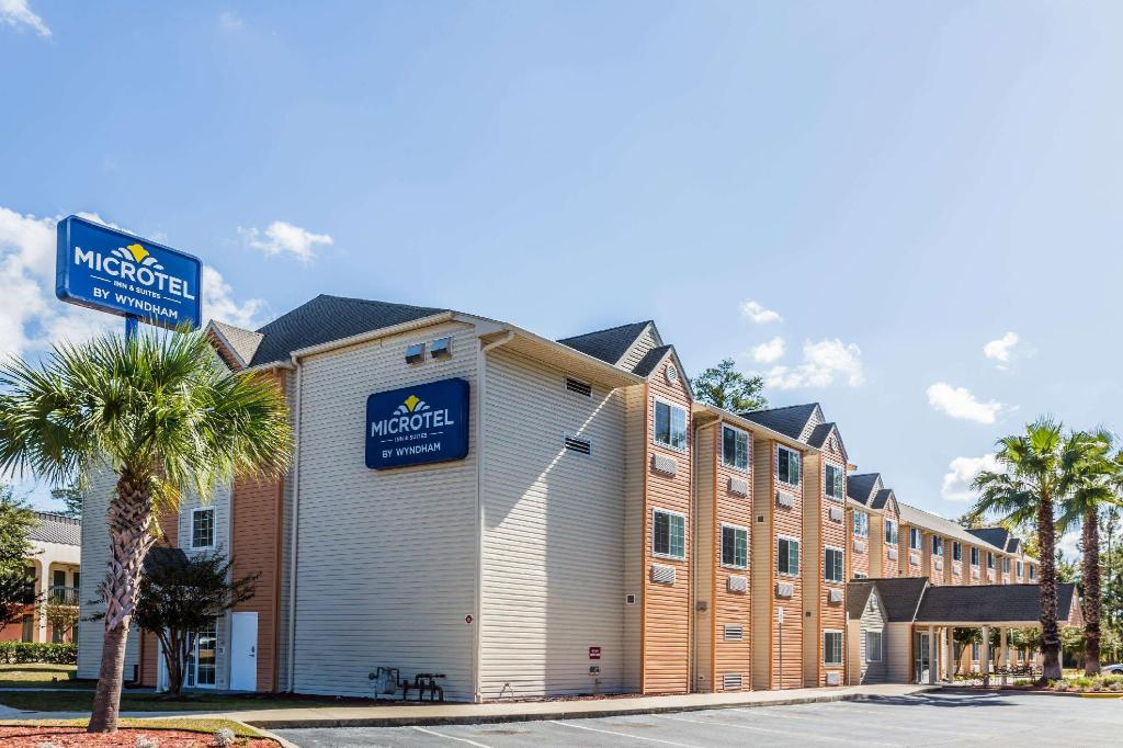 Экстерьер Microtel Inn & Suites by Wyndham Tallahassee
