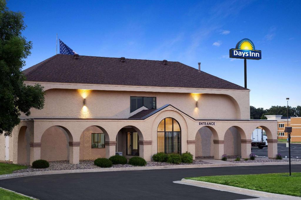 Days Inn by Wyndham Austin