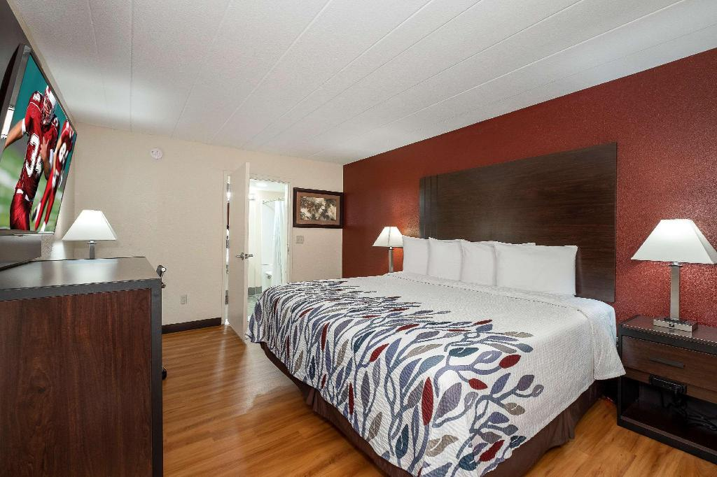 Red Roof Inn Freehold Hotel (Freehold (NJ)) - Deals, Photos