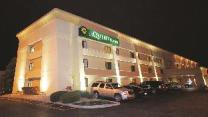 La Quinta Inn by Wyndham Indianapolis Airport Executive Dr